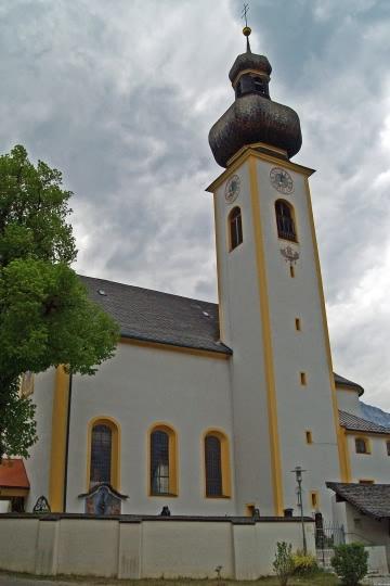 Milser Pfarrkirche um 2000