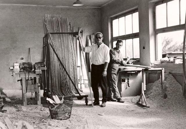 Luis Angerer in seiner Schifabrik