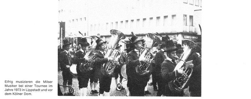 Tournee in Lippstadt vor dem Kölner Dom, 1973