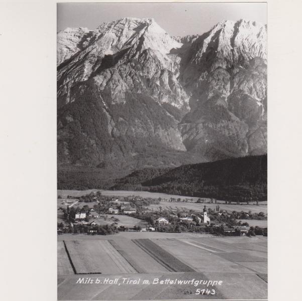 Mitte der 1950er Jahre: Das Schulhaus ist bereits erbaut, GH Milserbrücke umgebaut.