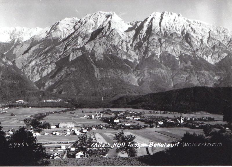 Mitte 1950er Jahre: Baubeginn im unteren Aichat und und in der unteren Heide. Die heutige Milser-Heidestraße noch Fußweg.