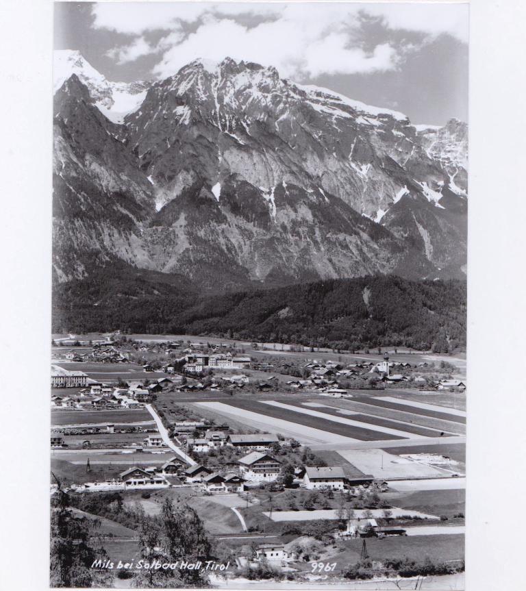 1960er Jahre: Erste Baustellen bei der Reschensiedlung; Schauraum bei Fahrzeug Oberhofer