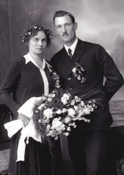 Hochzeit Strickner Sepp (geb. 1899) mit Midl Posch (geb. 1898) 1926