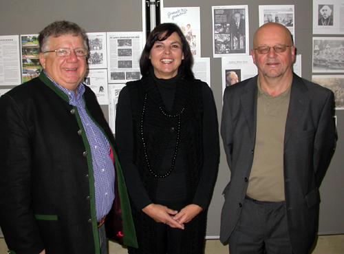 Eröffnung Dorfchronik 2008: Friedl Klingler, Helene Kruckenhauser, Josef Waldner