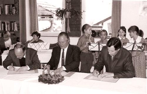 v.l.: Cons. Hoppichler, Bgm. Arnold, Karl Wendlinger