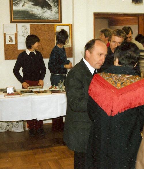 Im Bild Pfarrer Cons. Andreas Hoppichler, im Hintergrund unsere jungen Mitarbeiterinnen Ursula und Susanne Kurz