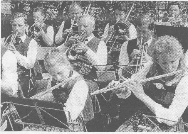 Musikkapelle: Erstmals Ausrücken von Frauen 1989
