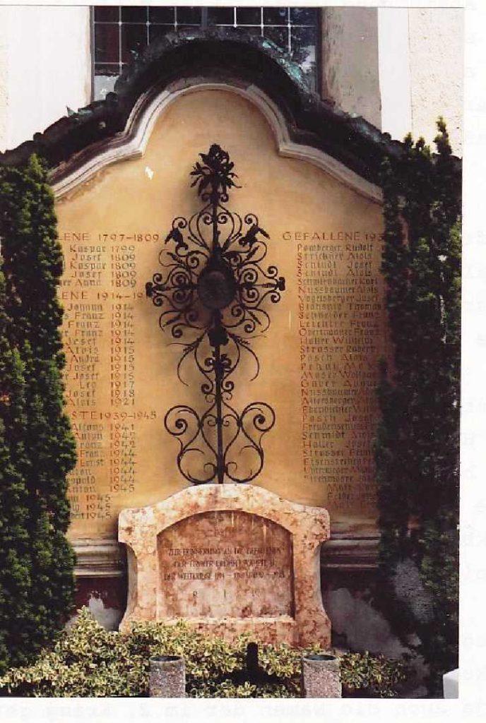 """Das """"Kriegerdenkmal"""""""