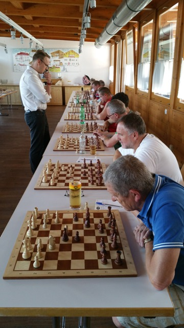 30 Jahre Schachklub: Simultan gg. Ragger