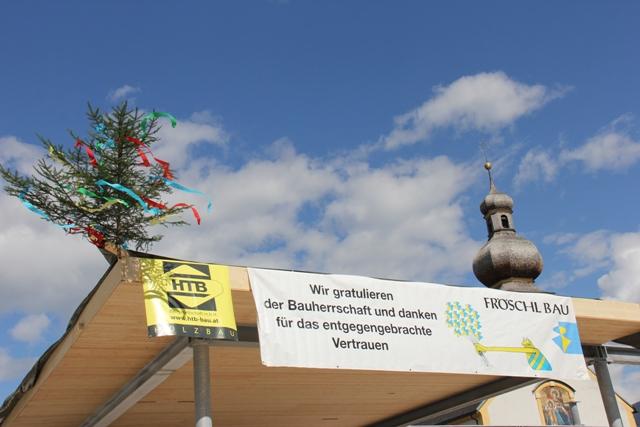 Dorfzentrum Neu: Firstfeier
