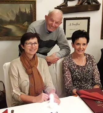 Franz mit seinen Töchtern Waltraud und Karin