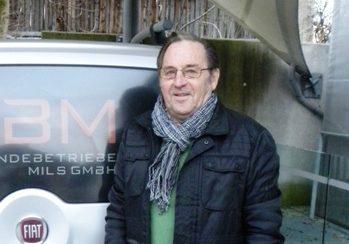 Helmut Kurz 2013 - mit einem Fahrzeug für Essen auf Rädern