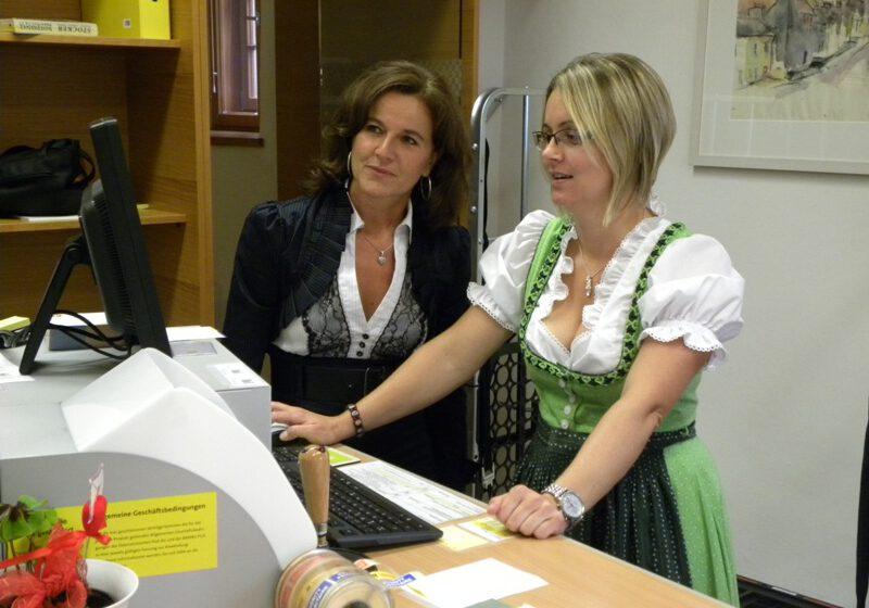 Eröffnung Postamt 2011